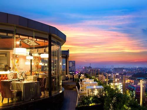 Cielo 13 Sky Bar & Restaurant