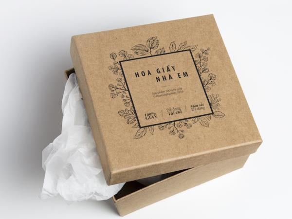 Cardboard-Box-PSD-MockUp-600x450